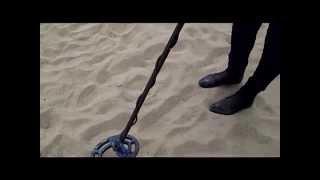 Коп на пляже 1 часть(Коп на пляже с металлоискателем,с металлодетектором,поиск на море Магазин металлоискателей по Украине..., 2013-04-13T06:18:47.000Z)