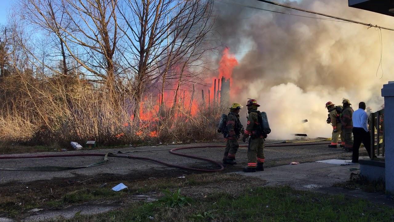 new-orleans-firefighters-battle-a-7th-ward-blaze