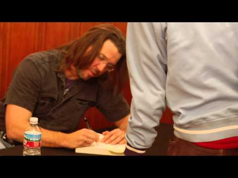 """David Foster Wallace Q&A + reads """"Soul is not a Smithy"""" and """"Incarnations"""" Philadelphia (06/2004)"""