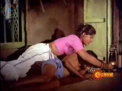 Full Cleavage Show in Bollywood Movie thumbnail