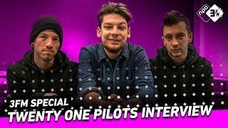 """Twenty One Pilots: """"Onze vaders helpen met muziek schrijven""""   3FM Special   NPO 3FM"""