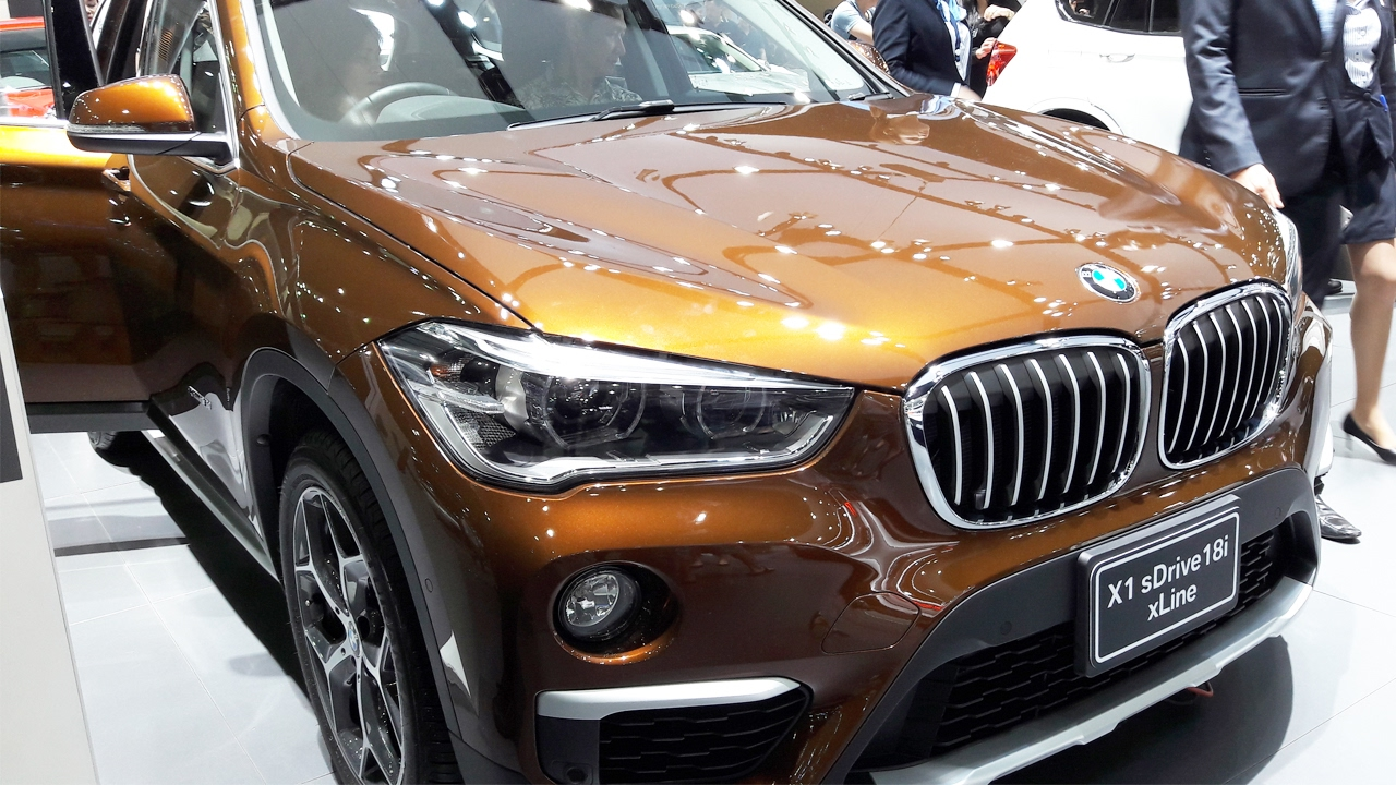 bmw x1 sdrive18i xline 2017 youtube. Black Bedroom Furniture Sets. Home Design Ideas