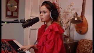 Gabrielle Aplin - Breathin (Ariana Grande Cover) mp3