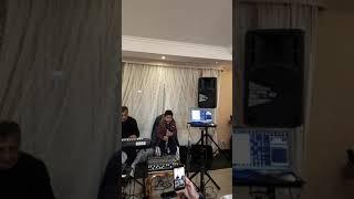 Адамян Боря кларнет 9 лет играет на свадьбе. Adamyan Borya klarnet 9 years.