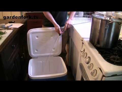 Sous Vide Cooking in a Beer Cooler  - GardenFork.TV