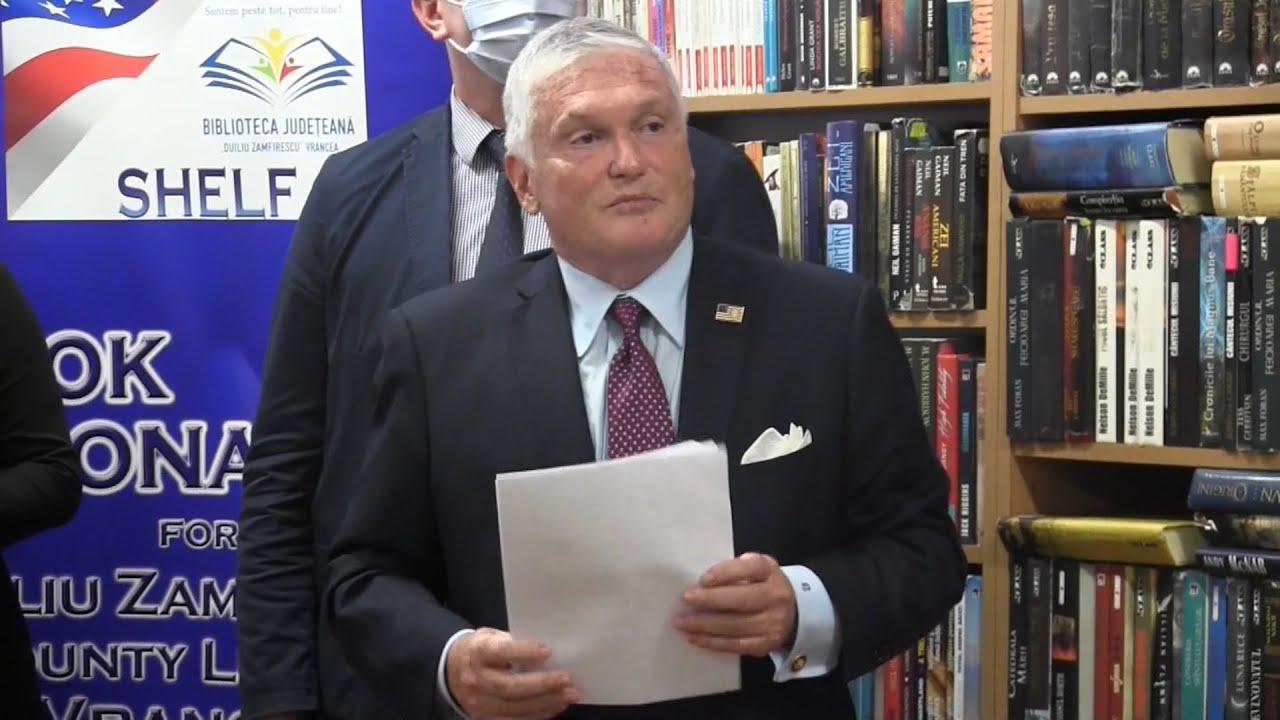 """Ambasadorul SUA, Adrian Zuckerman, la Biblioteca județeană """"Duiliu Zamfirescu"""" Vrancea 25.09.2020"""
