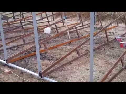 видео: Строительство теплицы.  Часть3.  (Установка каркаса)
