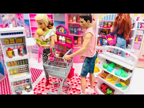 Barbie and Ken go to Supermarket with Babies!!