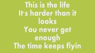 Hey We're Gonna Be Alright// Jonas Brothers [LYRICS ON SCREEN] HQ!