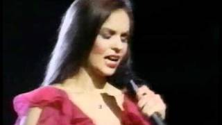 Crystal Gayle- A Long and Lasting Love