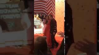 Нюша с мужем на ковровой дорожке премии МУЗ ТВ 2018