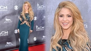 Shakira Shows Off Figure at the 2014 ACM Awards