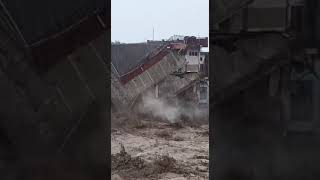 Flashflood  in Himachal's McLeodganj washes away cars l Part-3
