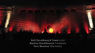 Markus Stockhausen (Trompete), Tara Bouman (Bassklarinette) und Rolf Zavelberg (Licht)