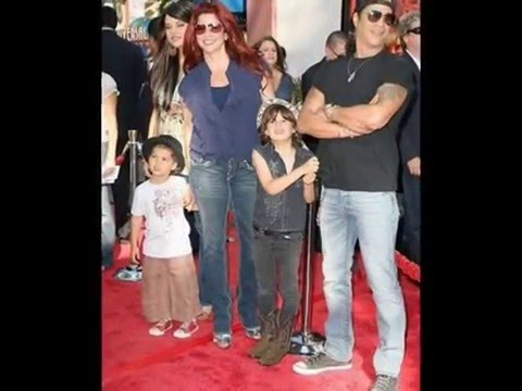 Slash's Family  - FULL VIDEO -