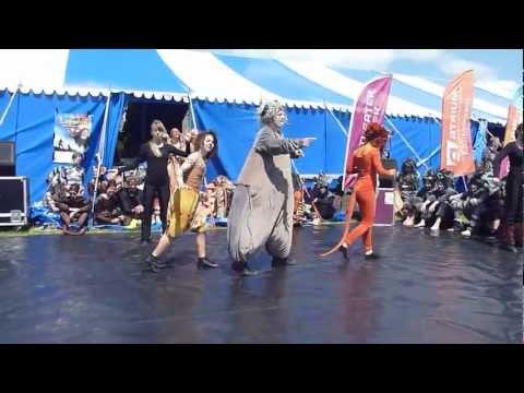 Hakuna Matata uit de musical Leeuwen van Muzt bij Slachtemarathon 2012
