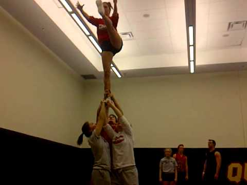 cheerleading partner stunt fail!
