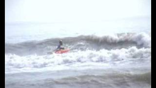 Kayak Surfing Dagger Juice 7.1.  @ Llantwit Major.