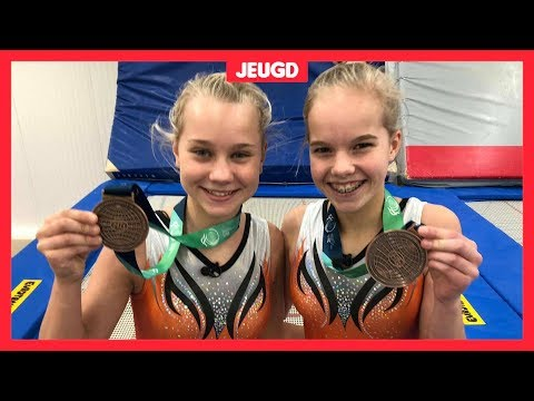 Eline en Valerie winnen medaille op WK trampolinespringen