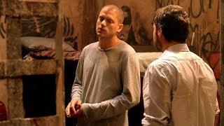 Майкл рассказывает Уистлеру, зачем он кинул ему вызов. Побег