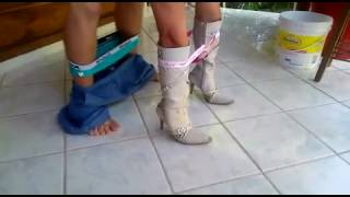 Download Video Doggy Stylist MP3 3GP MP4