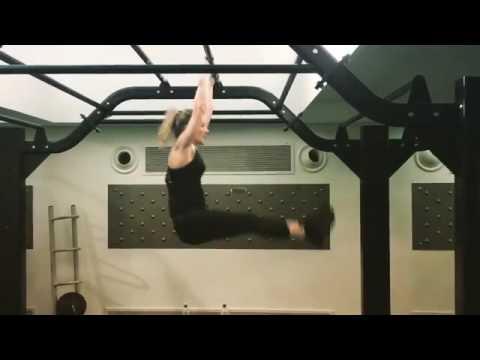 Singer Ellie Goulding workout