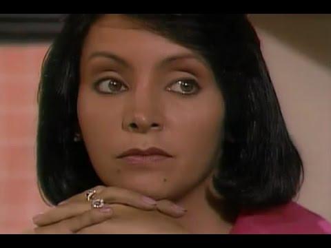 Pastora Lara Portillo, terrible e increíble Flor Núñez