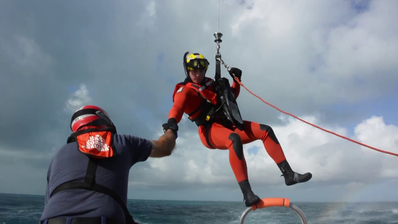 coast guard air station miami rescue swimmers pay a visit to cg aux 680