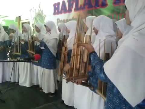 Indonesia Pusaka : AWESOME TRADITIONAL MUSIC INSTRUMENT WEST JAVA INDONESIA / ANGKLUNG /