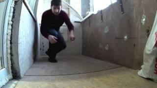 видео Как сделать пол на балконе своими руками