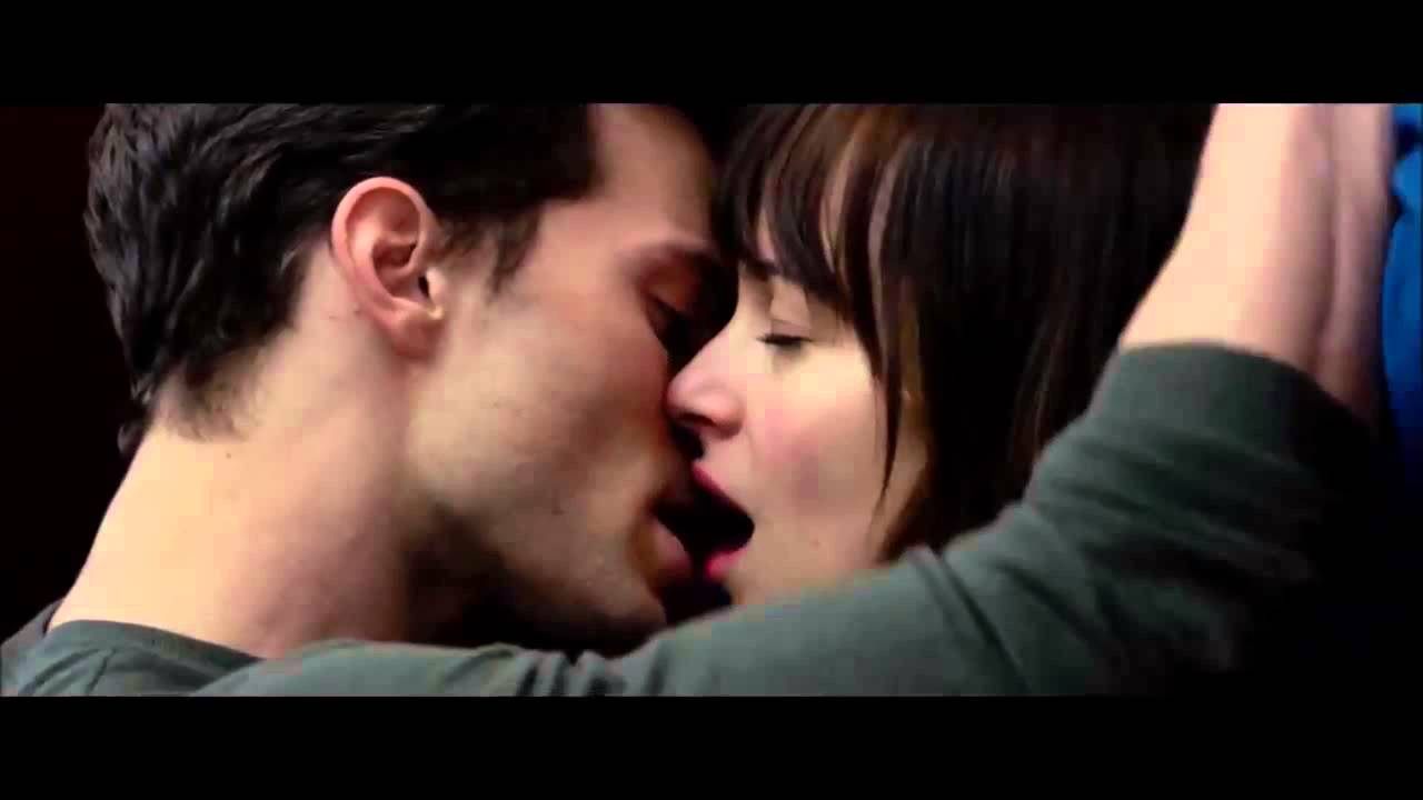 50 shades of grey kissing scenes