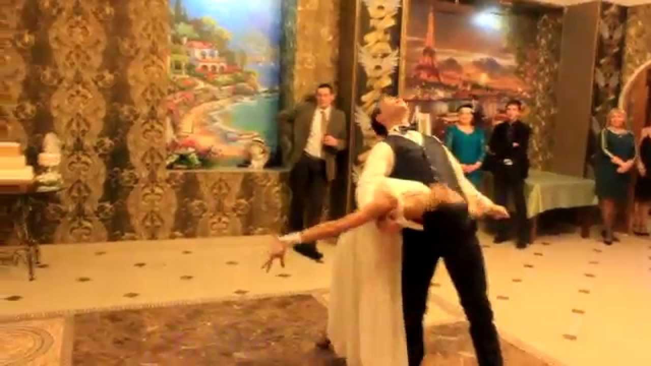 """Свадебный танец в стиле """"Гетсби""""."""