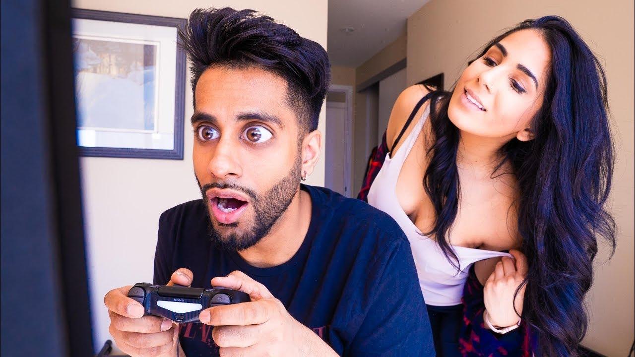 When Your Boyfriend Is A Gamer