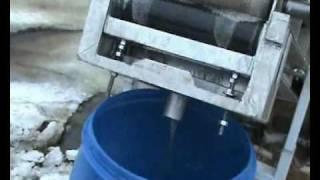 видео морской пороговый нефтесборщик