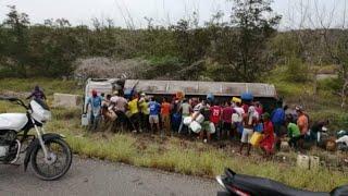 Tanquero colombiano explota mientras personas robaban combustible tras un accidente YouTube Videos