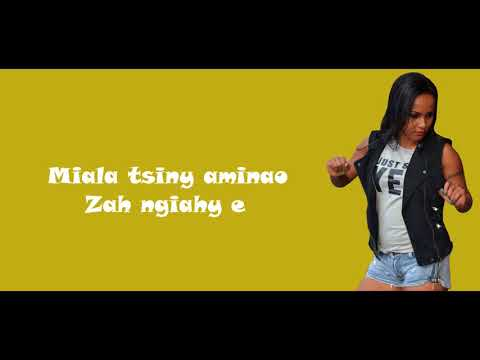 Stephanie Gasy Tsy Ahoako Lyrics