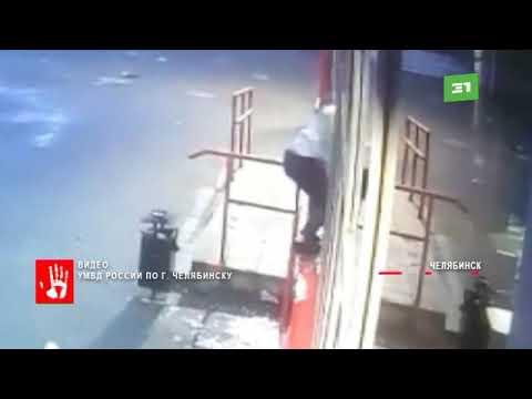 Челябинские полицейские задержали банду подростков, которые совершали ночные налеты на супермаркеты