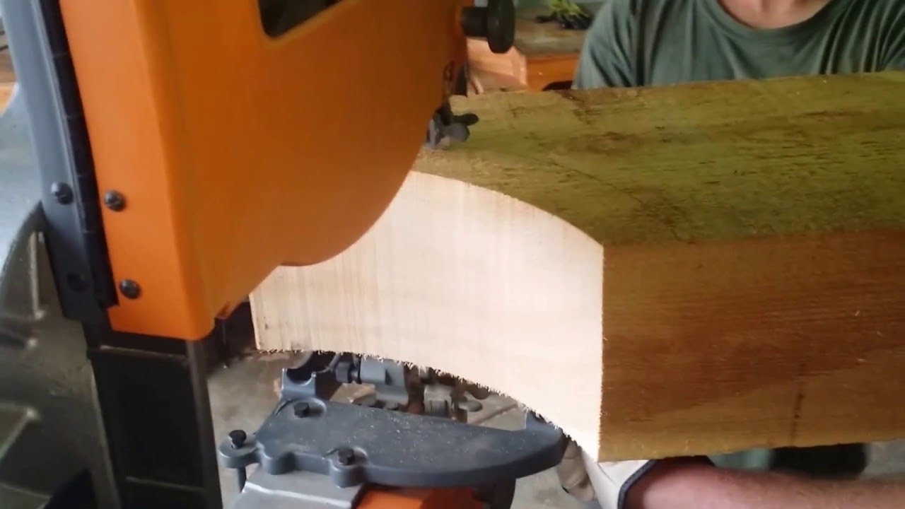 Cutting A Curve On 6 X 12 Timber W/ Bandsaw