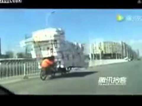 Người vận chuyển cực siêu tại Trung Quốc quá đỉnh
