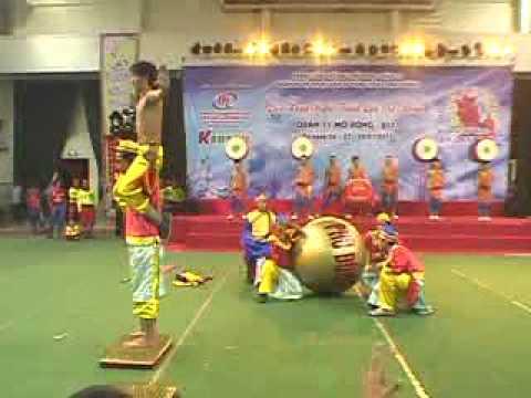 Đoàn Lân Phù Đổng Q 6 tham gia Liên Hoan LSR Q 11  2011 p 4