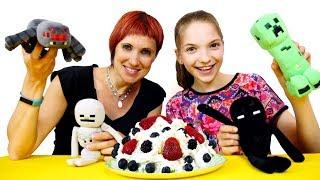 Игрушки Майнкрафт - готовим торт! Видео для девочек