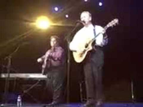 "Dave Nachmanoff and Al Stewart perform ""On The Border"""