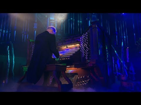 Epic Halloween Organ Solo - Toccata in D Minor