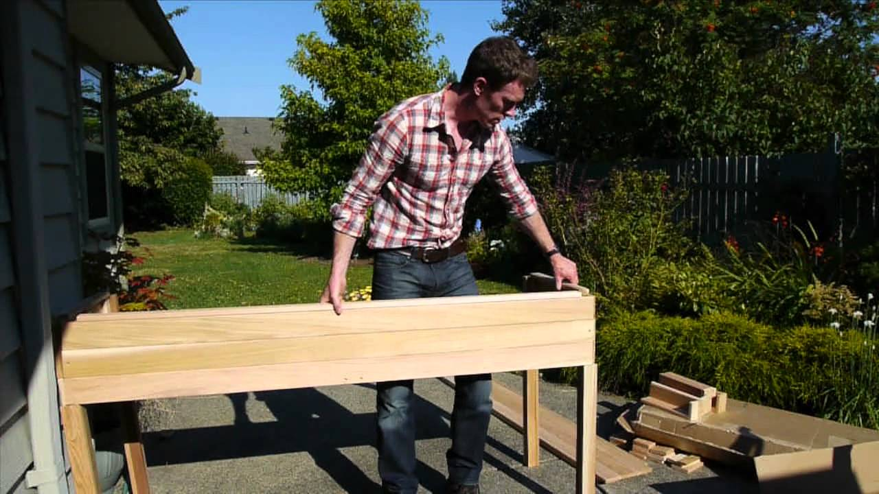 The Cedar Raised Garden Center   Planter Review U0026 Assembly At Eartheasy.com    YouTube