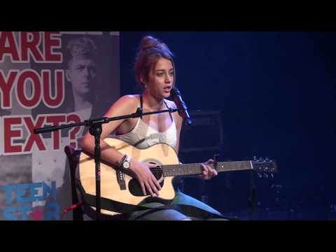 HALLELUJAH – LEONARD COHEN Performed By ERIN BLOOMER At The Southampton Area Final Of Open Mic UK