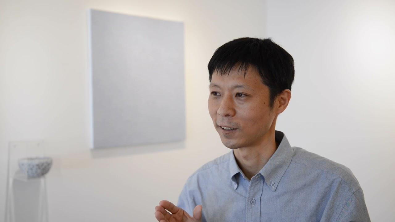 彫刻刀を用いて自分にしかできない絵画をつくる。鈴木淳夫インタビュー