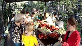 Детский дом / Байк и красивый стол с фруктами детям