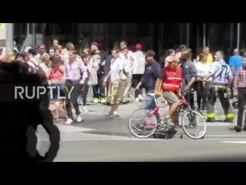 USA: Casualties tended to amid Times Square chaos