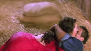 Video Karishma Kapoor hot big bum & wet assets exposed download MP3, 3GP, MP4, WEBM, AVI, FLV Mei 2018
