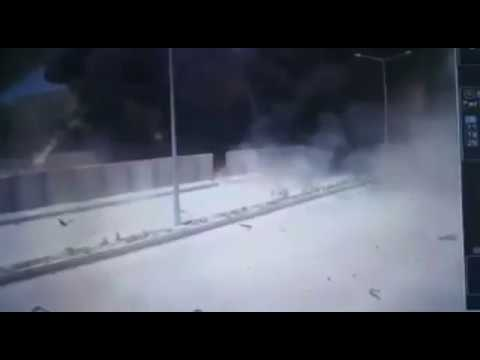 [VIDEO] Car bomb attack hits gendarmerie command in Batman